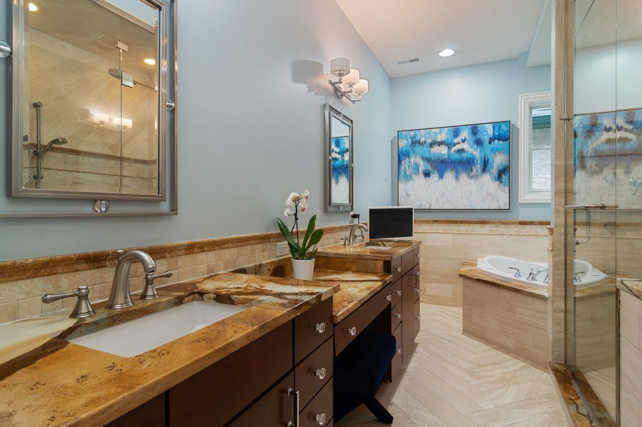 Real Estate Photography - 3036 N Hoyne Ave, Chicago, IL, 60618 - Master Bathroom