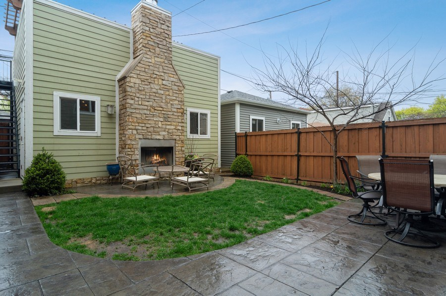 Real Estate Photography - 3036 N Hoyne Ave, Chicago, IL, 60618 - Back Yard