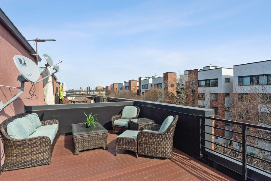 Real Estate Photography - 2338 W Wolfram, Chicago, IL, 60618 - Roof Deck