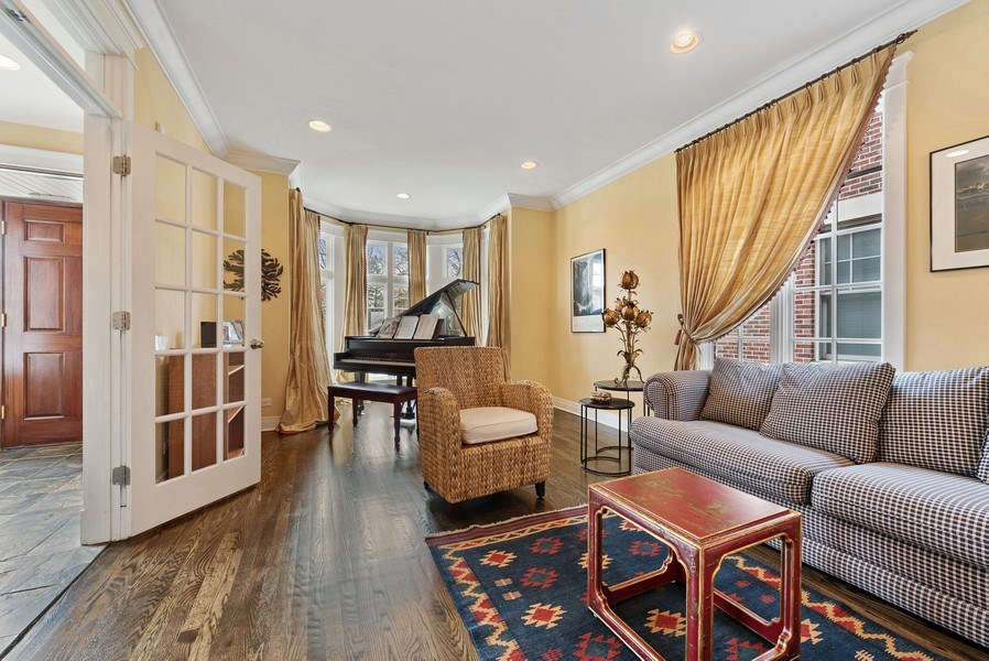 Real Estate Photography - 1415 Lincoln Ave, Evanston, IL, 60201 - Living Room