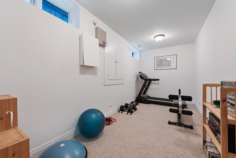 Real Estate Photography - 1415 Lincoln Ave, Evanston, IL, 60201 - Gym