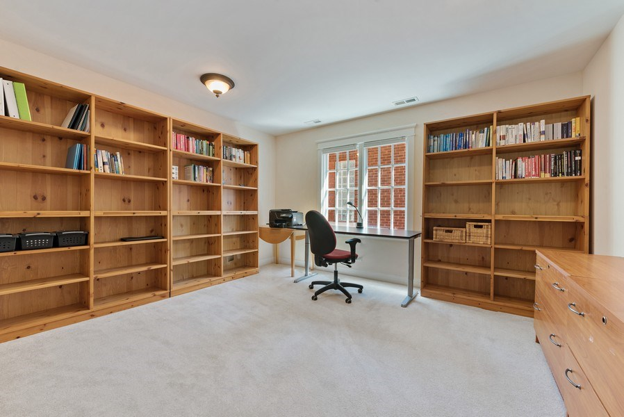 Real Estate Photography - 1415 Lincoln Ave, Evanston, IL, 60201 - Office