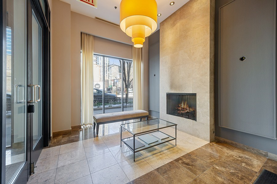 Real Estate Photography - 101 W Superior, Unit 906, Chicago, IL, 60654 - Lobby