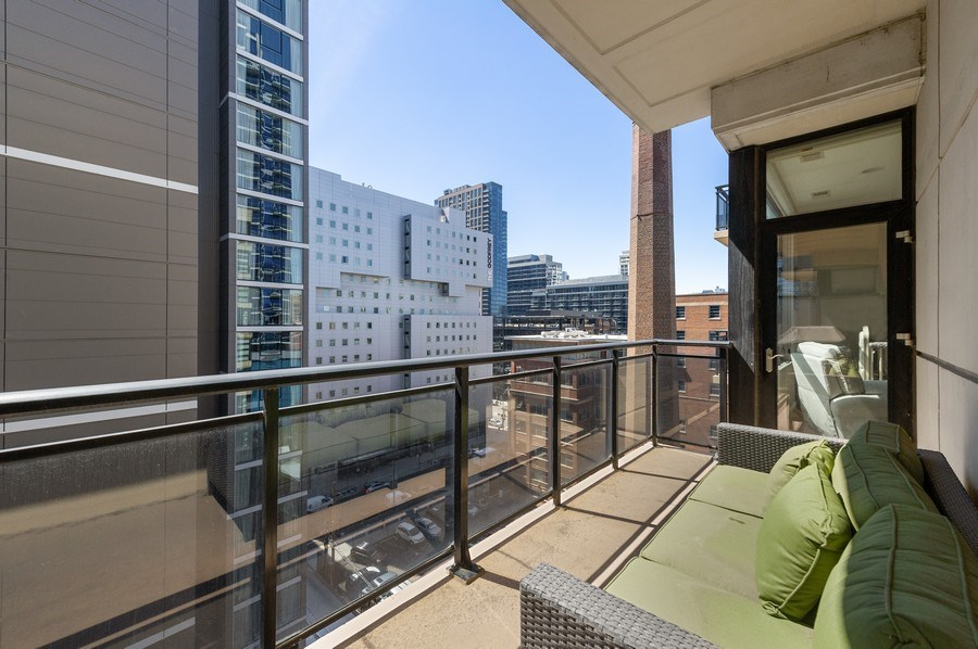 Real Estate Photography - 101 W Superior, Unit 906, Chicago, IL, 60654 - Balcony