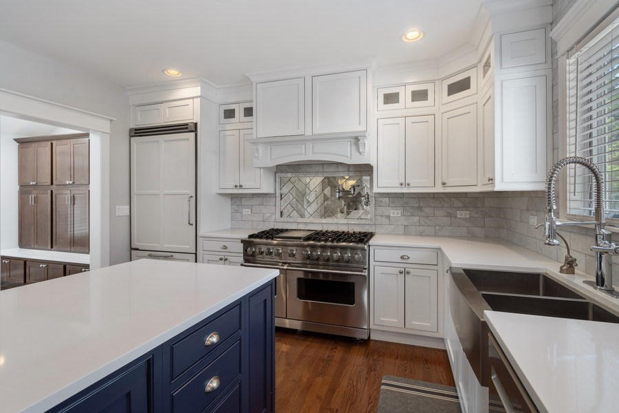Real Estate Photography - 201 W Russell St, Barrington, IL, 60010 - Kitchen