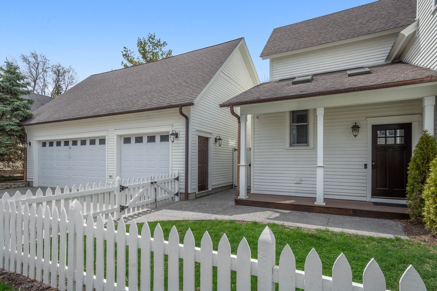 Real Estate Photography - 201 W Russell St, Barrington, IL, 60010 -
