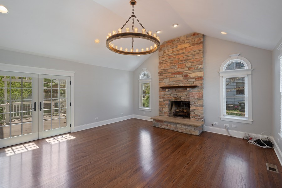 Real Estate Photography - 201 W Russell St, Barrington, IL, 60010 - Great room