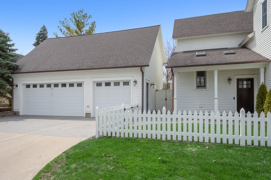Real Estate Photography - 201 W Russell St, Barrington, IL, 60010 - Garage