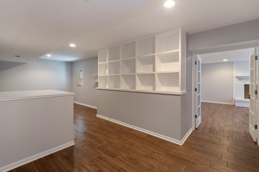 Real Estate Photography - 201 W Russell St, Barrington, IL, 60010 - Recreational Area