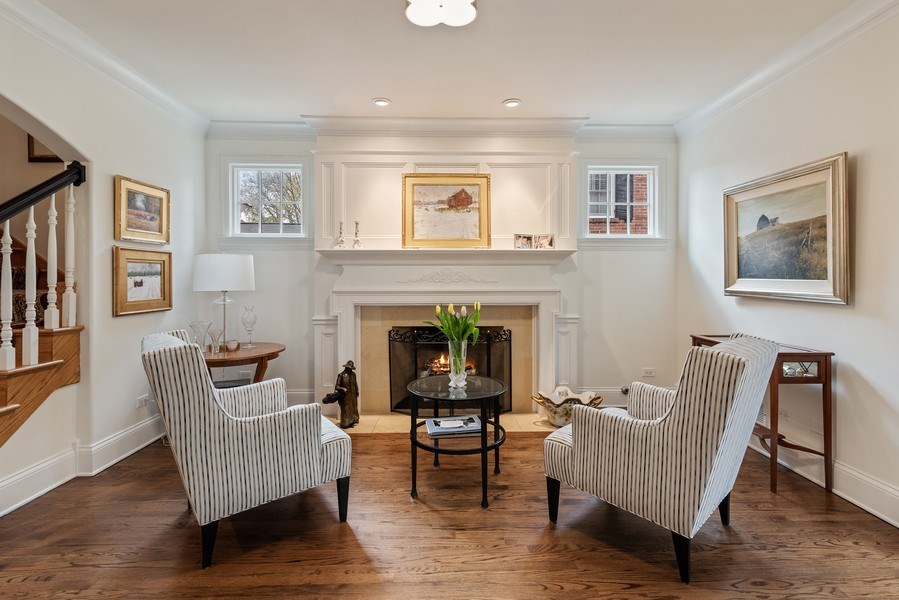 Real Estate Photography - 2021 Chestnut Ave, Wilmette, IL, 60091 - Living Room
