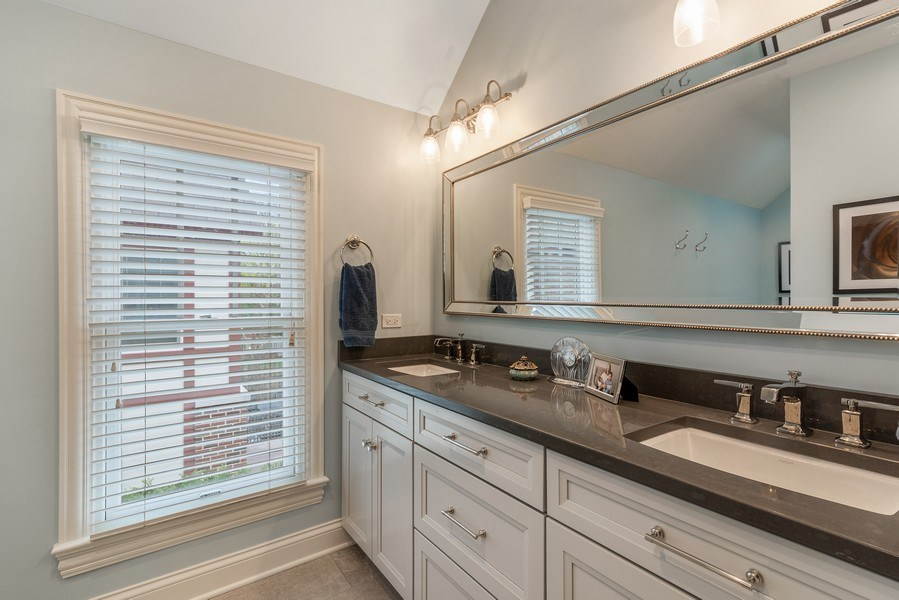 Real Estate Photography - 2021 Chestnut Ave, Wilmette, IL, 60091 - Master Bathroom