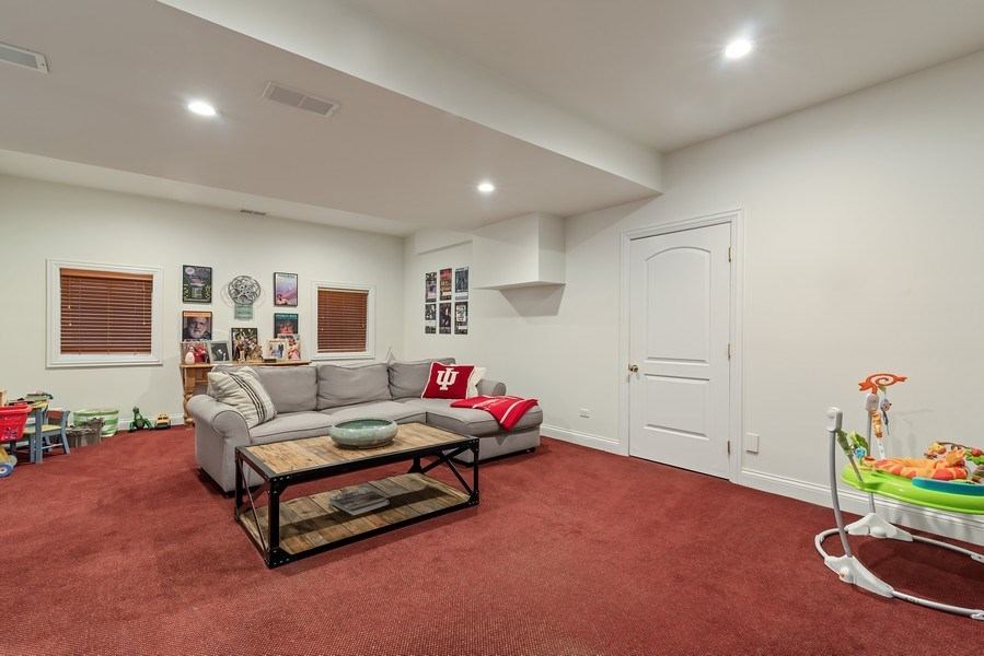 Real Estate Photography - 2021 Chestnut Ave, Wilmette, IL, 60091 - Recreational Room