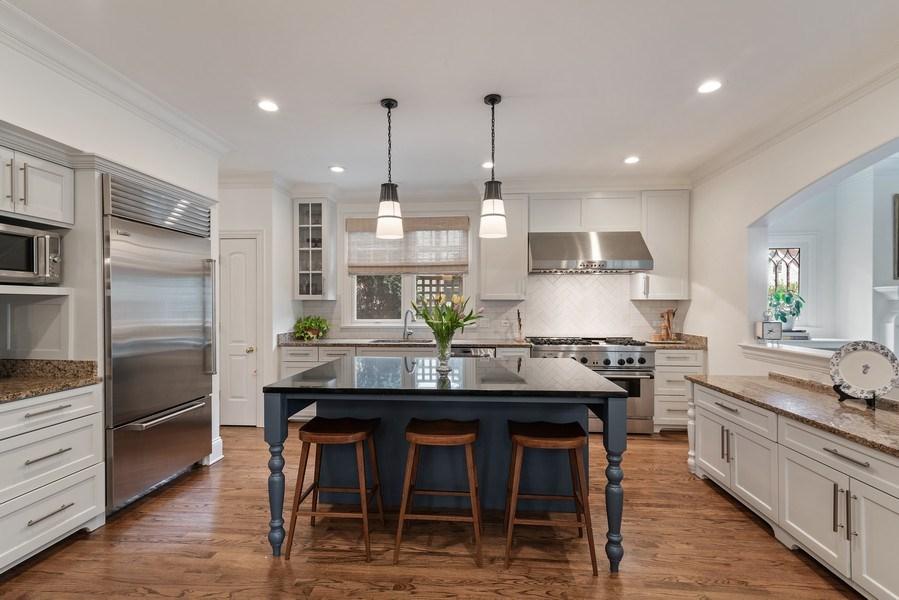 Real Estate Photography - 2021 Chestnut Ave, Wilmette, IL, 60091 - Kitchen