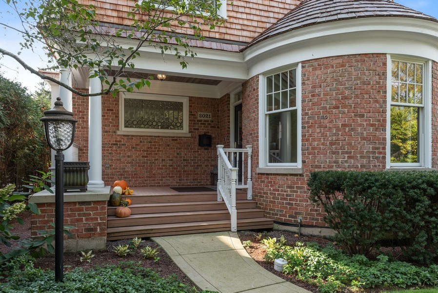 Real Estate Photography - 2021 Chestnut Ave, Wilmette, IL, 60091 - Front View
