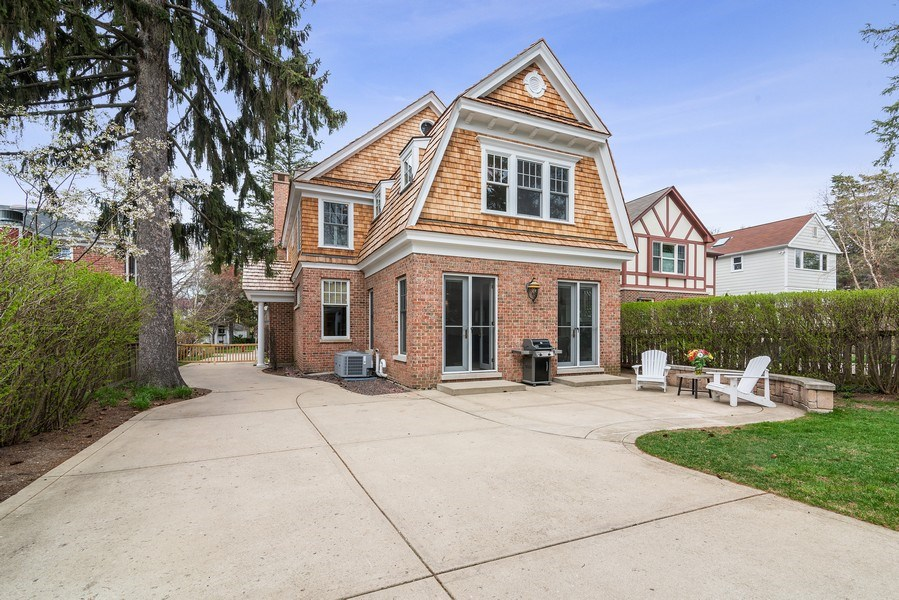 Real Estate Photography - 2021 Chestnut Ave, Wilmette, IL, 60091 - Rear View