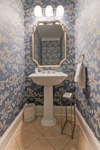 Real Estate Photography - 2021 Chestnut Ave, Wilmette, IL, 60091 - Half Bath