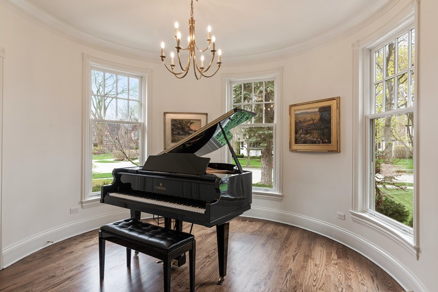 Real Estate Photography - 2021 Chestnut Ave, Wilmette, IL, 60091 - Sun Room