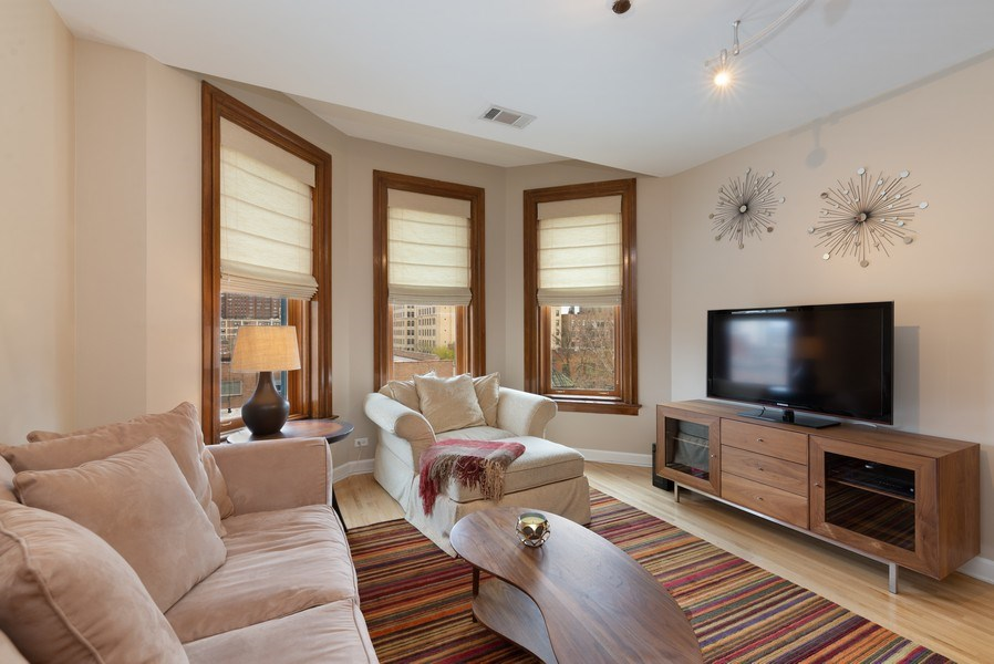 Real Estate Photography - 550 W Surf St, Unit 519, Chicago, IL, 60657 - Living Room