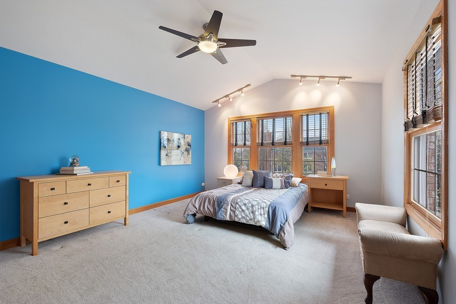Real Estate Photography - 1650 Primrose Ln, Glenview, IL, 60026 - 2nd Bedroom