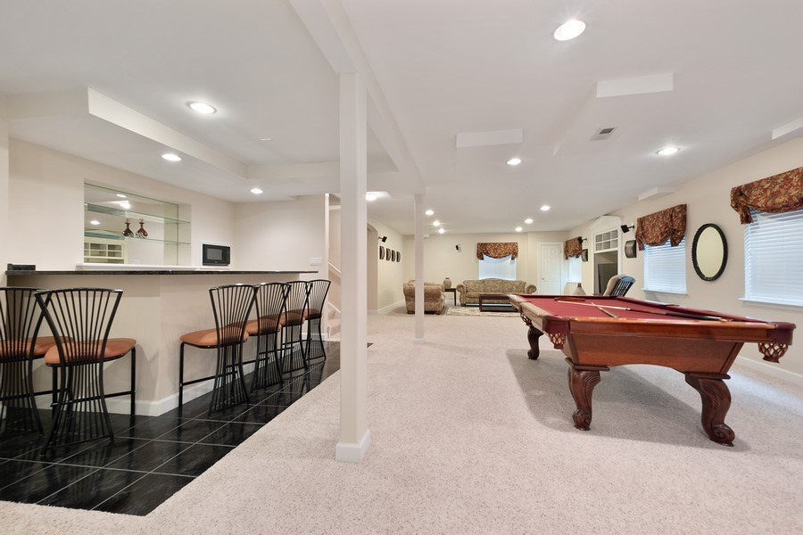 Real Estate Photography - 1650 Primrose Ln, Glenview, IL, 60026 - Recreational Room