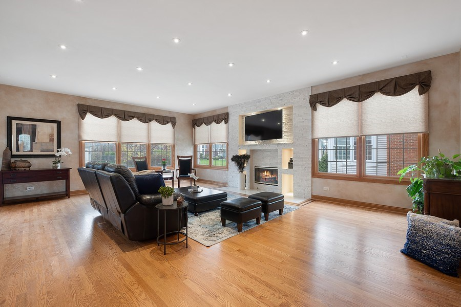 Real Estate Photography - 1650 Primrose Ln, Glenview, IL, 60026 - Family Room