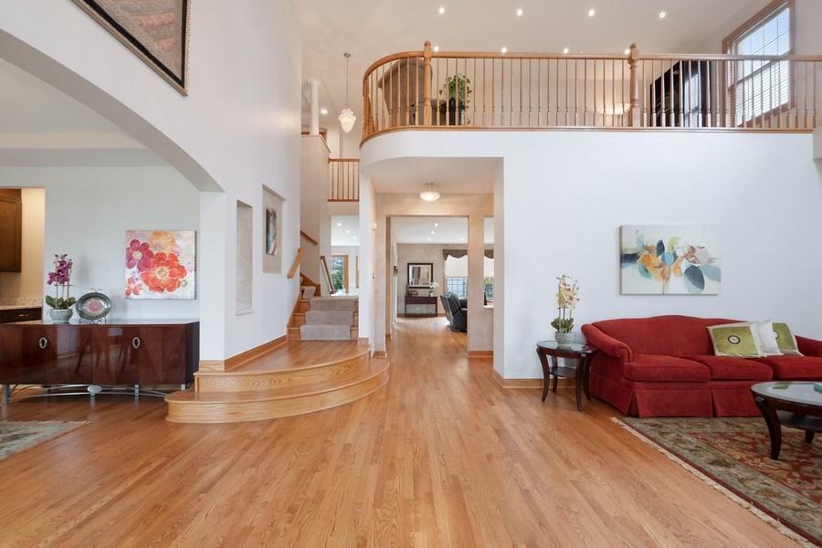 Real Estate Photography - 1650 Primrose Ln, Glenview, IL, 60026 - Foyer