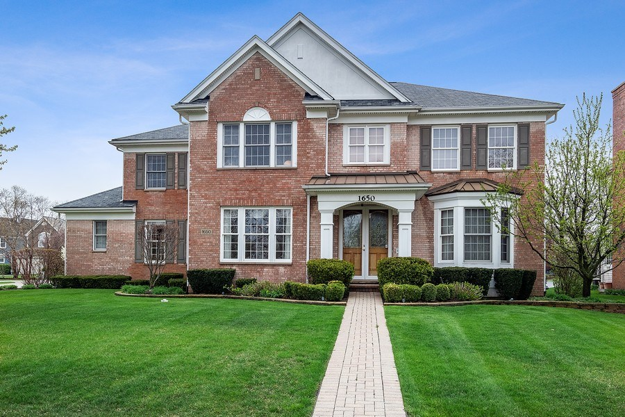 Real Estate Photography - 1650 Primrose Ln, Glenview, IL, 60026 - Front View