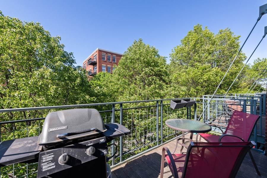 Real Estate Photography - 2333 W St. Paul, 331, Chicago, IL, 60647 - Balcony
