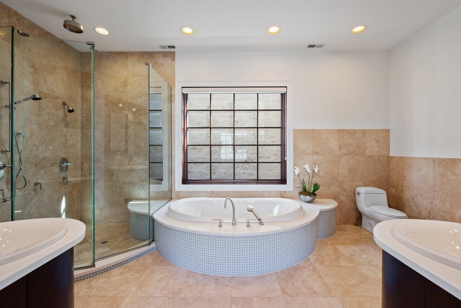 Real Estate Photography - 1619 N. Paulina St., Chicago, IL, 60622 - Master Bathroom