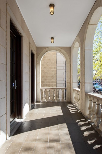 Real Estate Photography - 1619 N. Paulina St., Chicago, IL, 60622 - Entryway