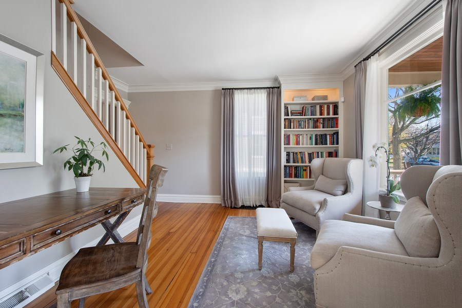 Real Estate Photography - 428 North Avenue, Barrington, IL, 60010 - Office