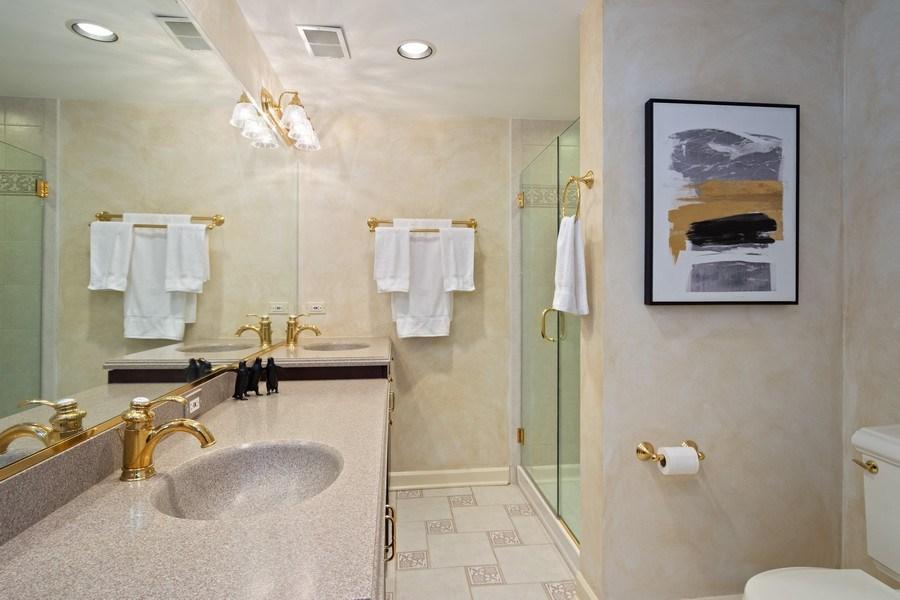 Real Estate Photography - 7 S Wynstone Dr, North Barrington, IL, 60010 - 5th Ensuite Bathroom