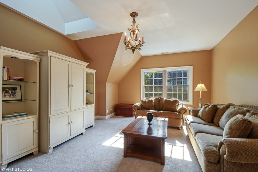 Real Estate Photography - 7 S Wynstone Dr, North Barrington, IL, 60010 - 6th Bedroom or Sitting Room