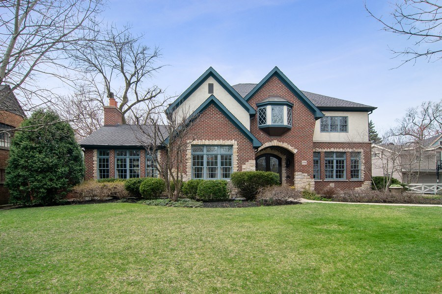Real Estate Photography - 194 Akenside, Riverside, IL, 60546 - Front View