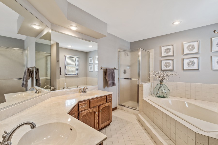 Real Estate Photography - 3570 Londonderry Court, Hoffman Estates, IL, 60067 - Master Bathroom