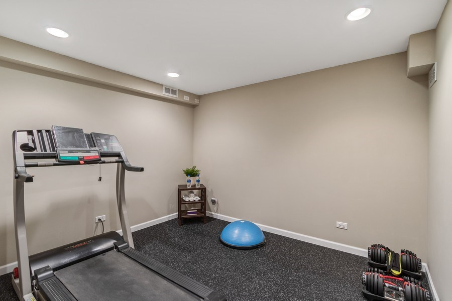 Real Estate Photography - 3570 Londonderry Court, Hoffman Estates, IL, 60067 - Exercise Room