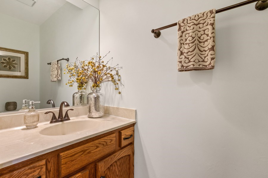 Real Estate Photography - 3570 Londonderry Court, Hoffman Estates, IL, 60067 - Powder Room
