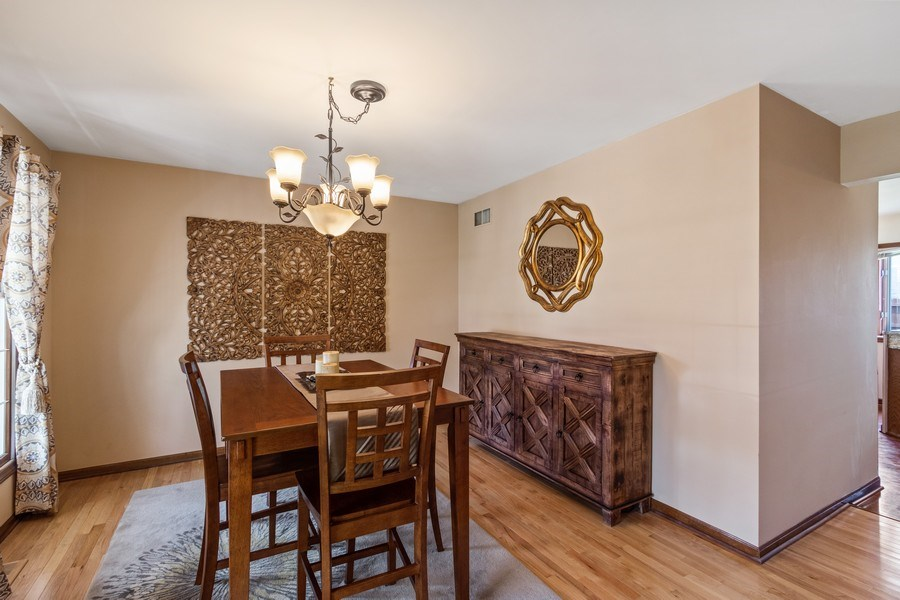 Real Estate Photography - 3570 Londonderry Court, Hoffman Estates, IL, 60067 - Dining Room