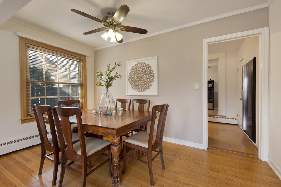 Real Estate Photography - 408 S. Carlyle Place, Arlington Heights, IL, 60004 - Dining Room