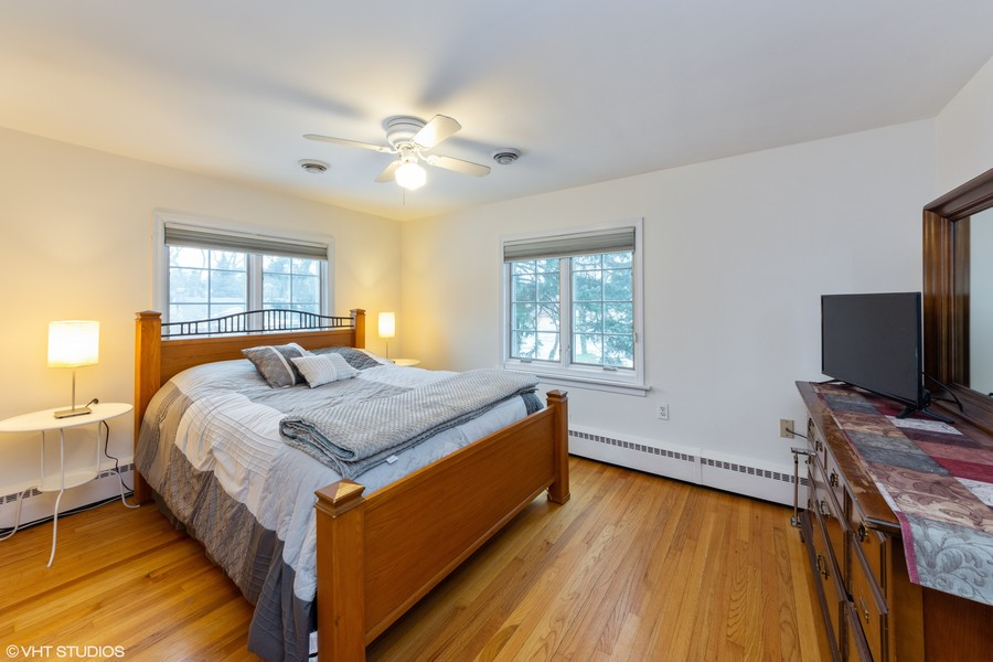 Real Estate Photography - 408 S. Carlyle Place, Arlington Heights, IL, 60004 - Second Bedroom