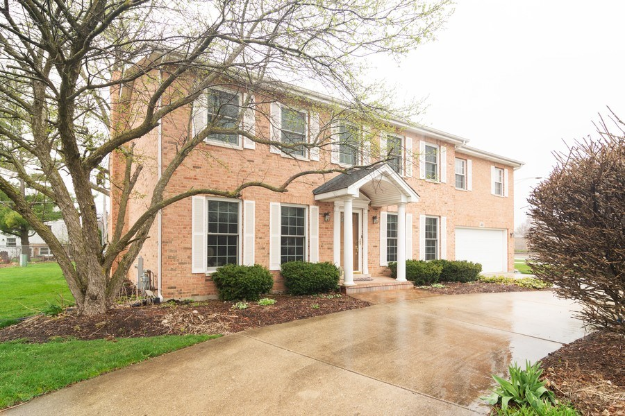 Real Estate Photography - 418 S Cleveland Ave, Arlington Heights, IL, 60005 - Front View