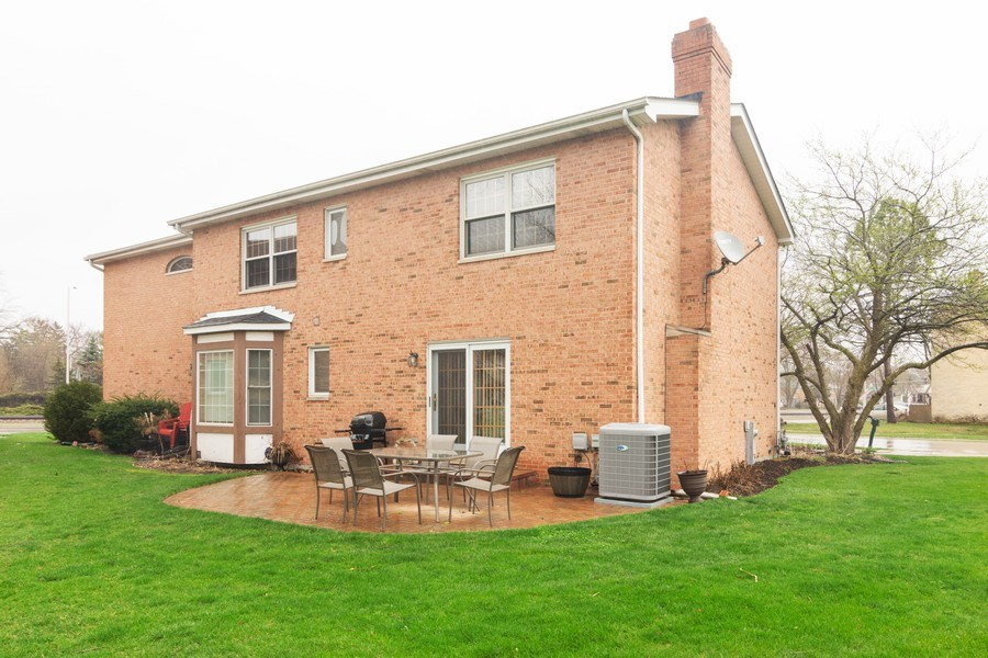 Real Estate Photography - 418 S Cleveland Ave, Arlington Heights, IL, 60005 - Rear View