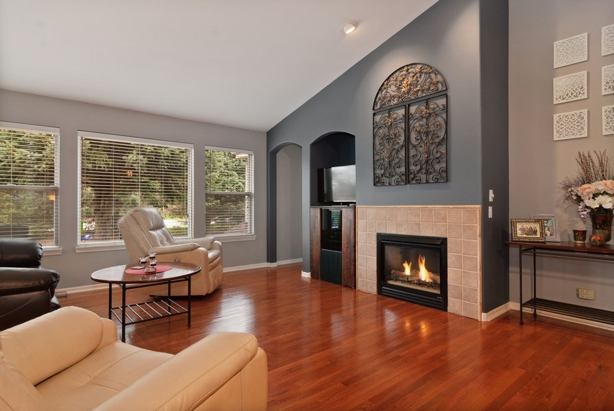 Real Estate Photography - 2473 Golf Trail Ct, Aurora, IL, 60506 - Living Room