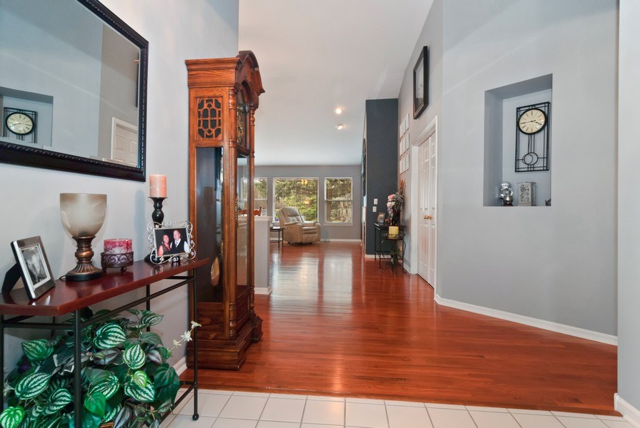 Real Estate Photography - 2473 Golf Trail Ct, Aurora, IL, 60506 - Foyer