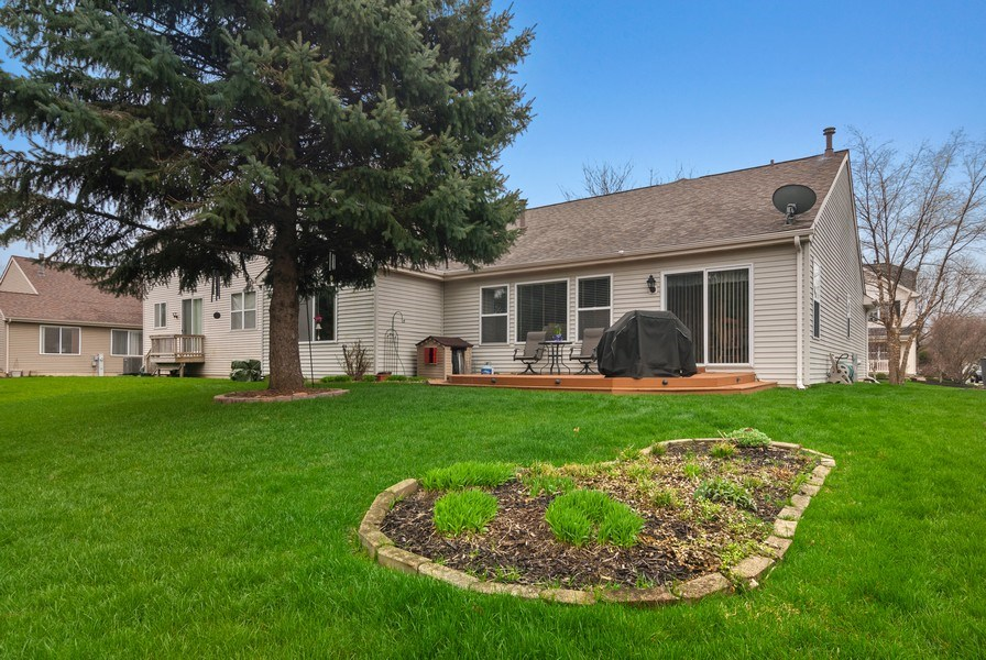 Real Estate Photography - 2473 Golf Trail Ct, Aurora, IL, 60506 - Rear View