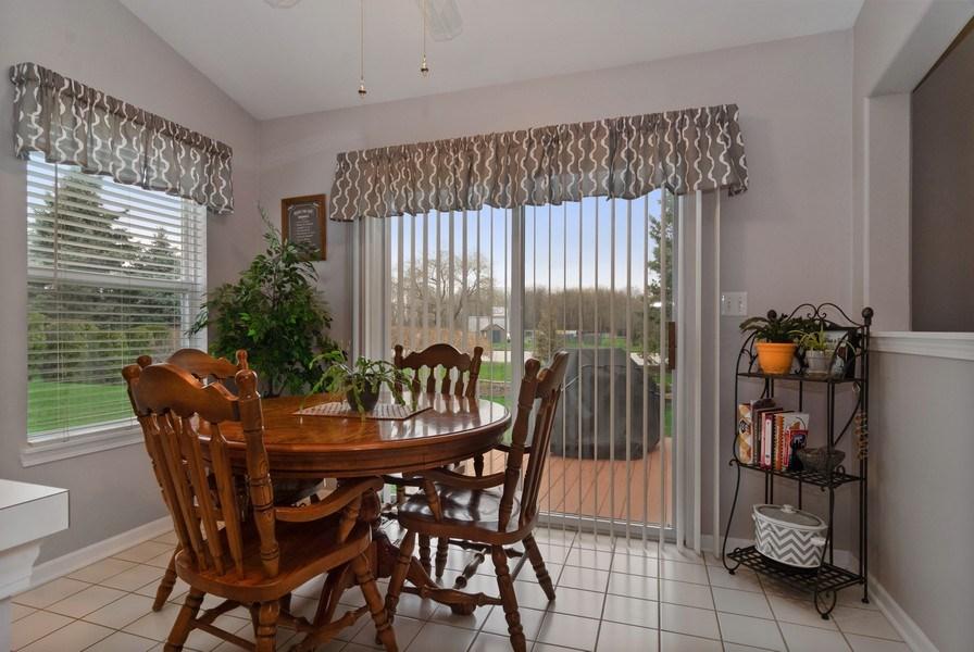 Real Estate Photography - 2473 Golf Trail Ct, Aurora, IL, 60506 - Breakfast Nook