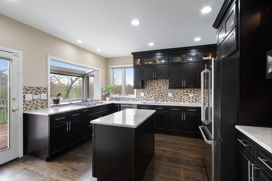 Real Estate Photography - 309 Dundee Road, Barrington, IL, 60010 - Kitchen