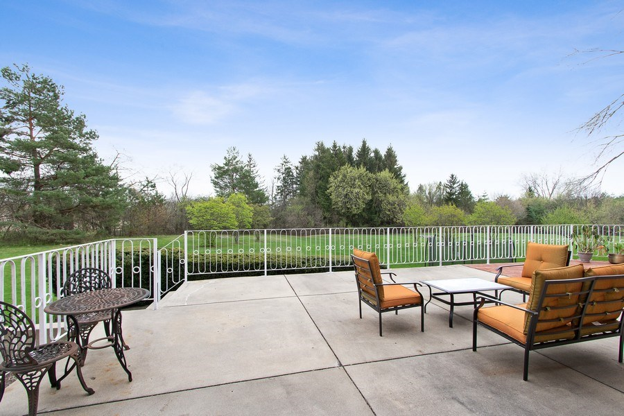 Real Estate Photography - 309 Dundee Road, Barrington, IL, 60010 - Back Yard