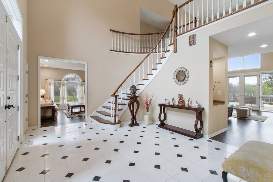 Real Estate Photography - 309 Dundee Road, Barrington, IL, 60010 - Foyer