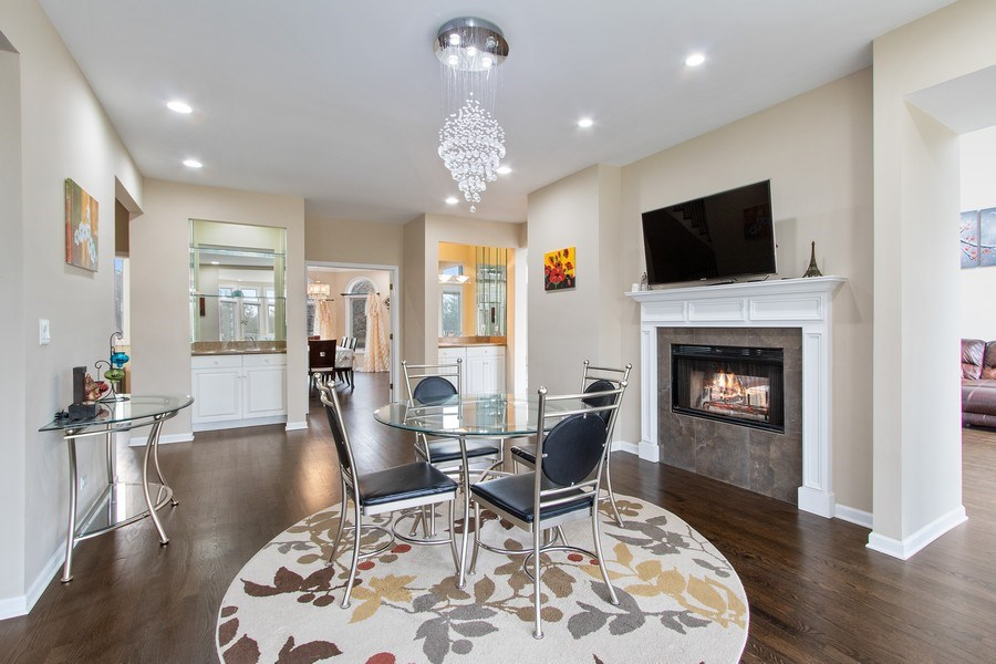Real Estate Photography - 309 Dundee Road, Barrington, IL, 60010 - Breakfast Area